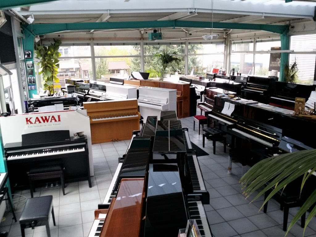 Klavierladen innen1